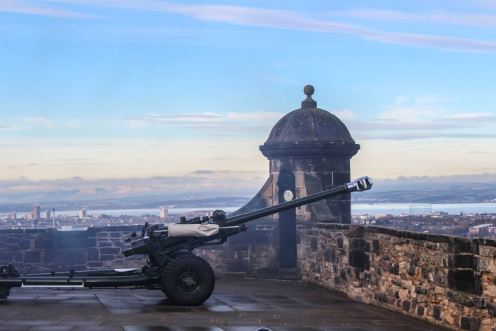 the-1-oclock-cannon-edinburgh-scotland
