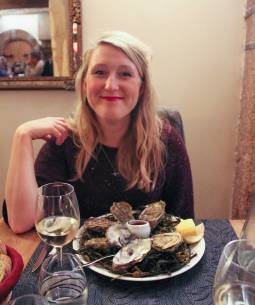 Nicola and her oysters at La Crémaillère