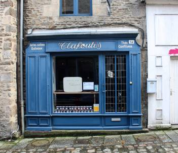 A quaint little shop in Dinan