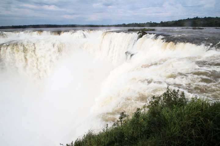 View of he Devil's Throat, Foz do Iguaçu, Brazil